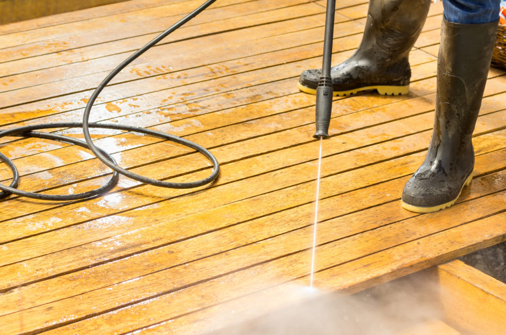 Fort Meade Maryland Power washing, soft washing, window cleaning, roof washing services